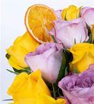 Carignan Serisi Mixed Lila Sarı Gül Aranjmanı