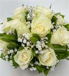 El Yapımı Vazoda 10 Adet Beyaz Güller