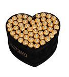 Siyah Kadife Kalp kutuda çikolatalar