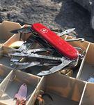 Victorinox Marka 1.4723 Kırmızı Tinker Deluxe Çakı