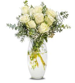 Cam Vazoda 9 Beyaz Güller