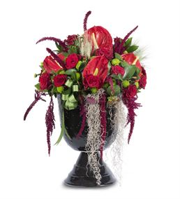 İhtişamlı Vazoda Kırmızı Gül ve Antoryumlar