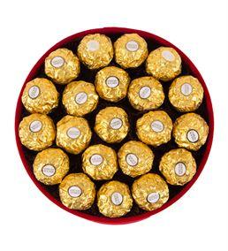 Kadife Kırmızı Kutuda Çikolatalar