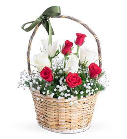 Martha Serisi Kırmızı Beyaz Gül Çiçek Sepeti