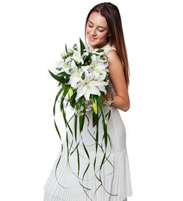 Mis Kokulu Beyaz Lilyumlar Gelin Buketi Çiçeği