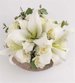 Mis Kokulu Lilyumlar ve Beyaz Güller Aranjmanı