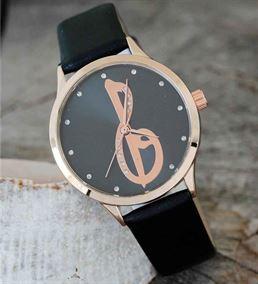 Elif Vav Tasarımlı Siyah Deri Kordonlu Saat -hs699