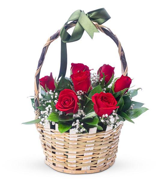 Aşkın Rengi 7 Kırmızı Gül Çiçek Sepeti