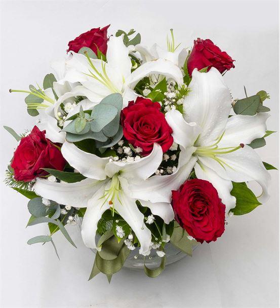 Cam Fanus Kırmızı Güllerle Lilyum Aranjmanı