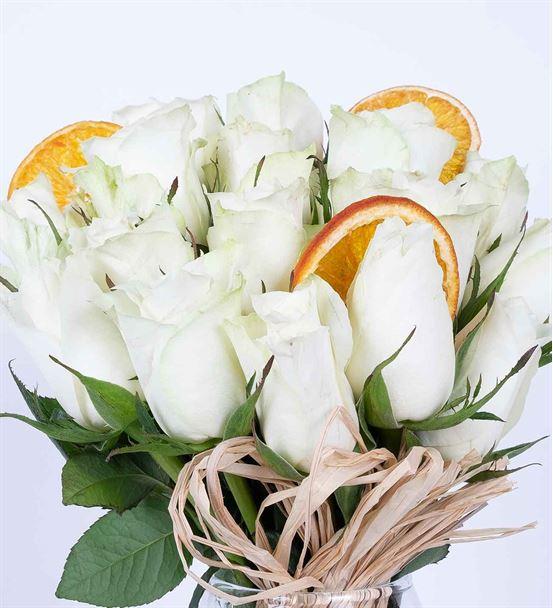 Carignan Serisi Beyaz Sevgi Gül Aranjmanı
