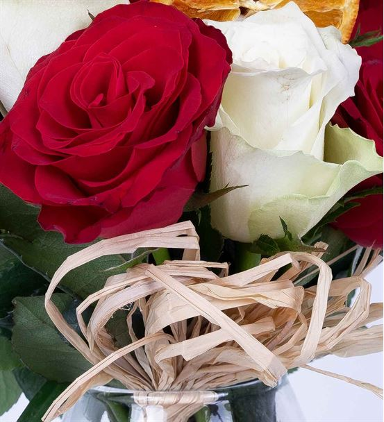 Carignan Serisi Mixed Kırmızı Beyaz Güller Tasarım