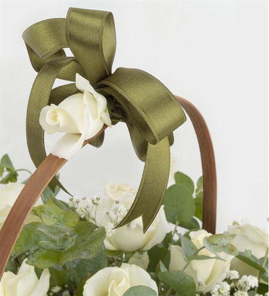 Çiçek Sepeti 41 Beyaz Gül Aranjmanı