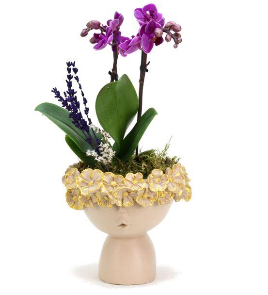 Çiçekli Kız ve Orkide