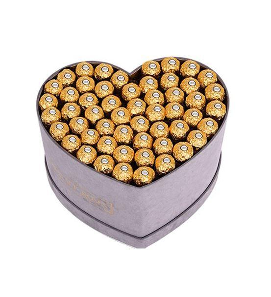 Gri Kadife Kalp Kutuda Çikolata ve Ayıcıklar