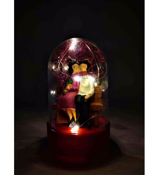 Işıklı Fanus Bankta Oturan Sevgililer-Ebamtf0001