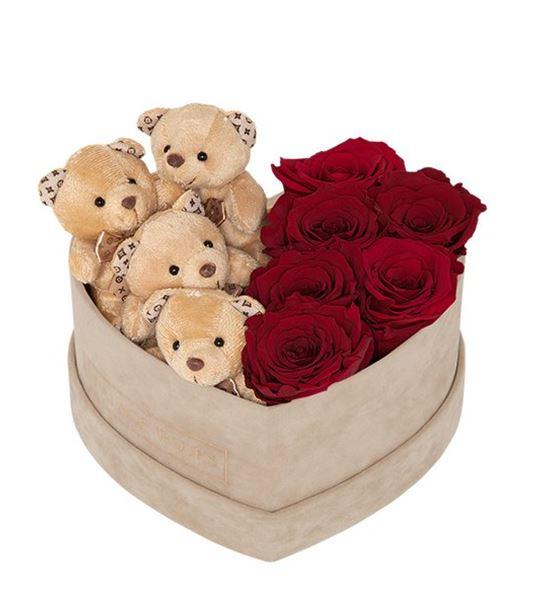 Kadife Bej Kalp Kutuda Ayıcık ve Canlı Güller