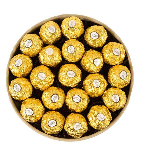Kadife Bej Kutuda Çikolatalar