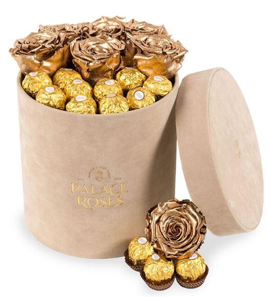 Kadife Bej Kutuda Solmayan Gül ve Çikolata