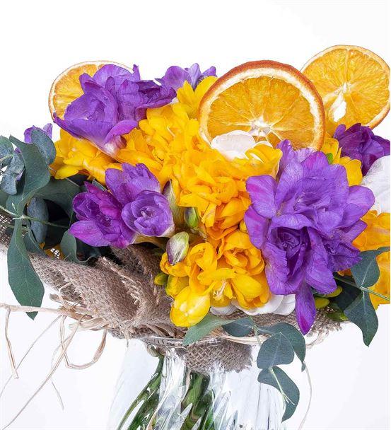 Kayıp Hazineler Mixed Frezya Çiçek Aranjmanı