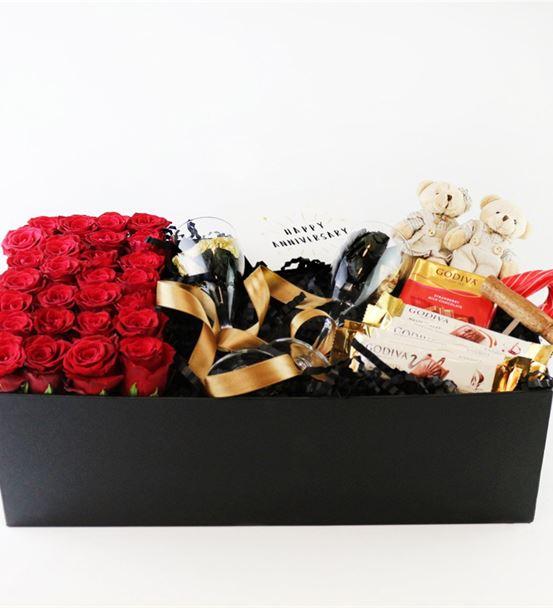 Kutu İçinde Ekavtor Kırmızı Güller,Godiva Çikolata