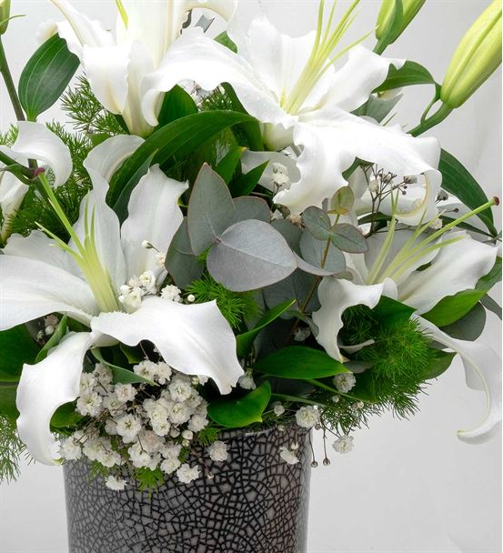 La Vega Tasarım Vazoda Mis Kokulu Beyaz Lilyumlar