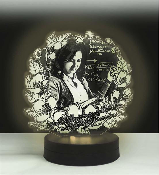Öğretmenler Günü Çiçekli Oval Kişiye Özel 3D Lamba