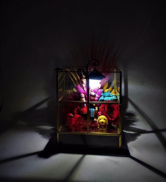 Prizma Kırmızı Güllü Işıklı Oturan Sevgili-İth0002