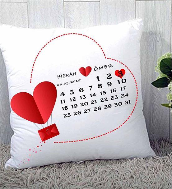 Sevgiliye Hediye Kalp Tasarım Yastık