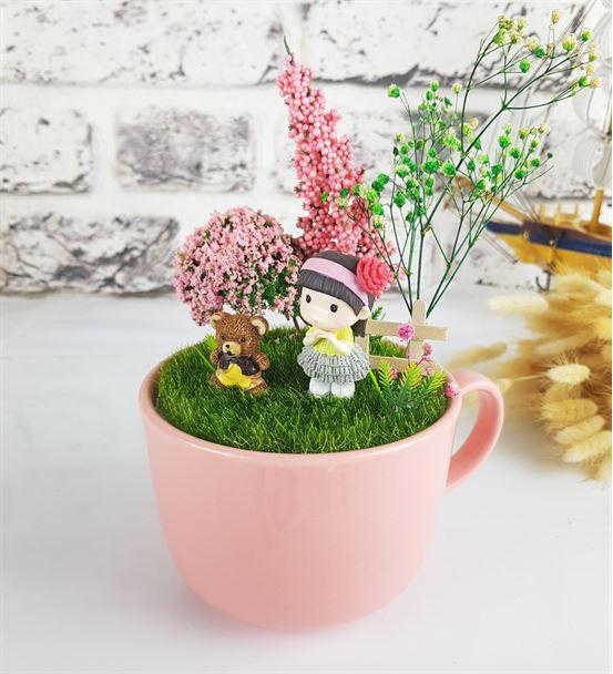 Sevimli Kız Ve Ayıcık Minyatür Bahçe