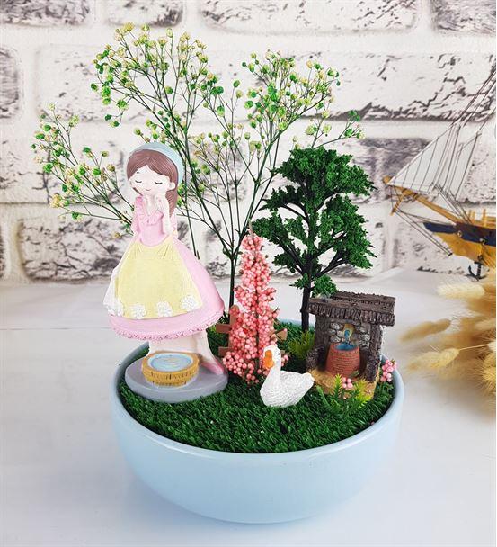 Sevimli Kız Ve Bahçesi Tasarım Minyatür Bahçe
