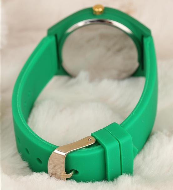 Cıvıl Cıvıl Yeşil Renk Spor Model Silikon Kasa Kad
