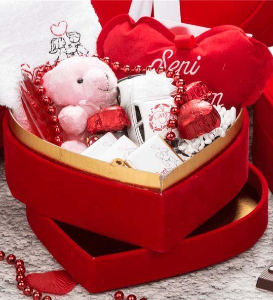 Sevgiliye Doğum Günü Hediyesi Kalp Kutulu Sepet